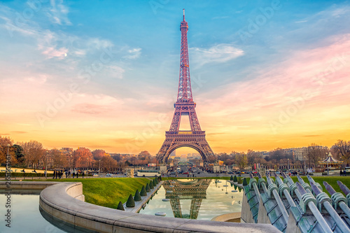 Poster Eiffeltoren Eiffel Tower at sunset in Paris, France. Romantic travel background