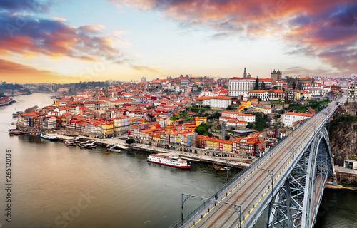 Fotografija  Porto at twilight with reflection in Douro river. Portugal