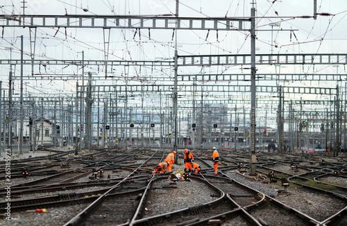 Foto auf Leinwand Eisenbahnschienen Bahnarbeiter XII