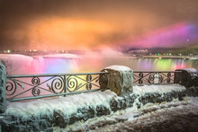 Frozen Niagara Falls In March ...