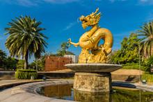 The Hai Leng Ong Statue (Golde...