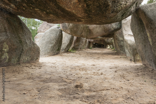 Photo Under the cover stones of Dolmen D53 in the vicinity of Havelte