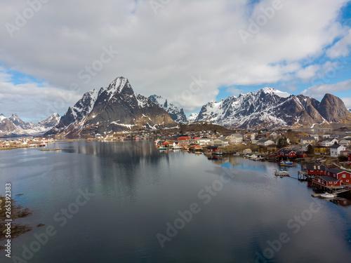 Foto auf Gartenposter Nordlicht Reine village with fjord, Lofoten Norway