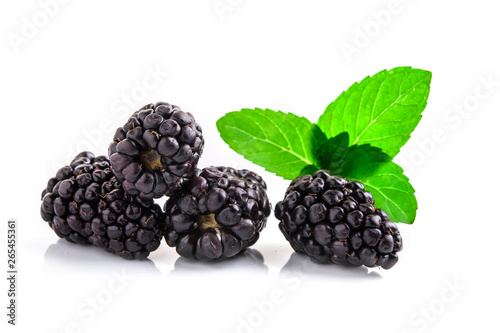 Closeup shot of fresh blackberries. Isolated on white Fototapeta