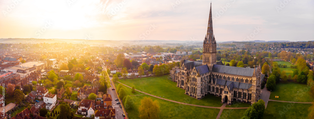 Fototapety, obrazy: Aerial view of Salisbury cathedral in the spring morning