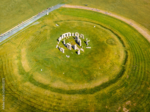 Fotografia Aerial view of Stonehenge in summer, England