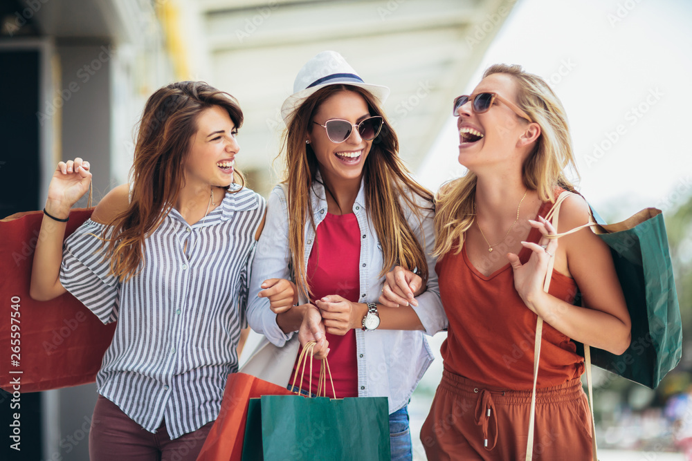 Fototapety, obrazy: Beautiful woman with shopping bags in the city-sale, shopping, tourism and happy people concept