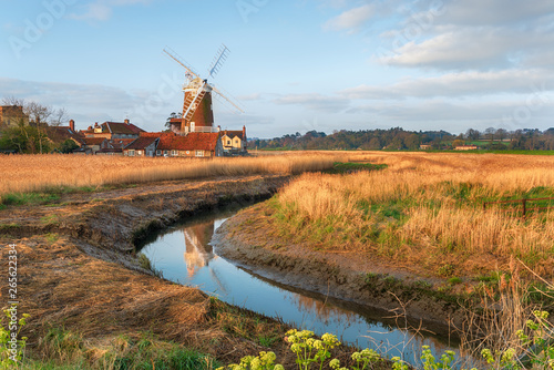 Foto The windmill at Cley next the Sea,