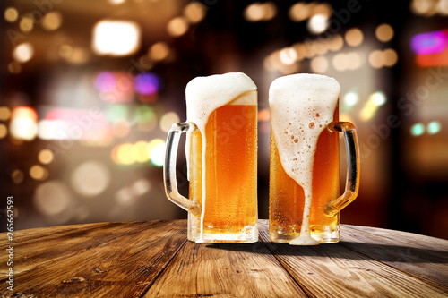 Canvas-taulu Fresh cold beer in glass and free space for your bottle