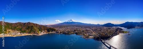 Photo sur Aluminium Bleu nuit Panorama of aerial view Fuji mountain and kawaguchiko lake in Japan.