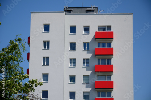 Obraz Apartamentowiec - fototapety do salonu