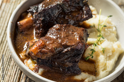 Obraz na plátně Homemade Braised Beef Short Ribs