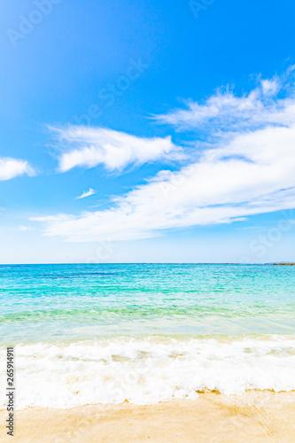 海、空、砂浜の風景