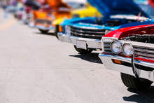 Classic American Cars Street D...
