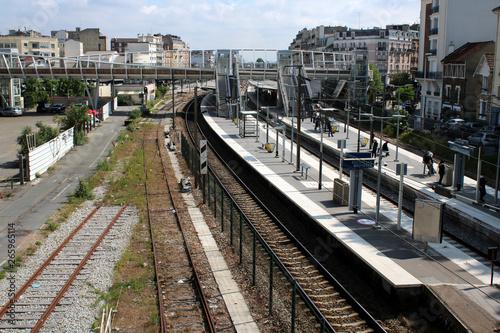 Courbevoie - Gare de Bécon-les-Bruyères Wallpaper Mural
