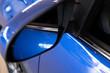 Détail d'éléments carrosserie et moteur d'un véhicule