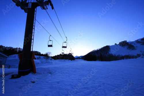In de dag Schip 冬 リフト 雪山