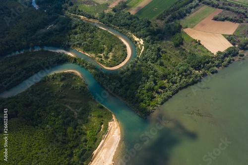 Poster Kaki Aerial view of river Danube