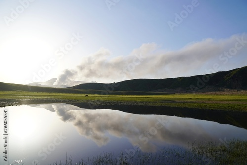 Photo 水面に映える阿蘇山の風景