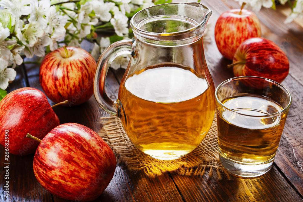 Fototapeta Fresh apple juice