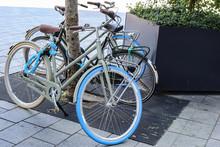 Fahrrad Duo Mit Schloss Gesich...