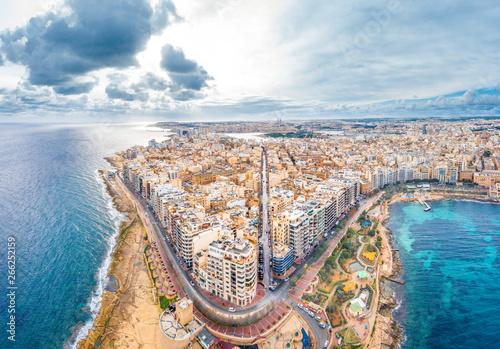 Foto auf AluDibond Südeuropa Seaside resort town of Sliema, Malta, Aerial view