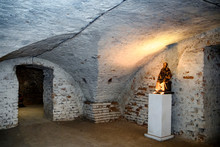 Undeground Chapel (crypt) Of N...