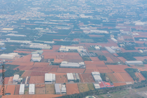 Foto op Aluminium Luchtfoto Aerial view of the Taichung city cityscape form a window seat