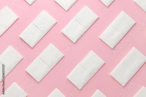 Foto paper tissue abstract pattern on pink background