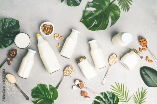 Dairy free milk substitute drinks and ingredients Fototapet