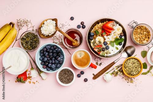 Obraz na płótnie Healthy breakfast set with coffee and granola
