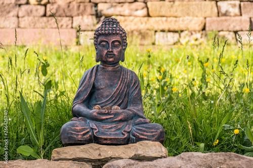 Buddha Figur Im Garten Buy This Stock Photo And Explore Similar