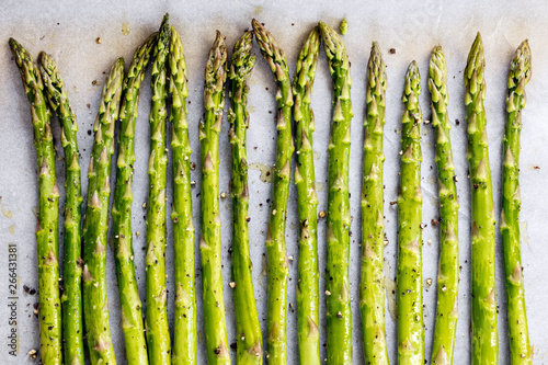 Photo Asparagus Spears on Oven Tray ready for Roasting