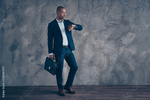 Fototapety, obrazy: full length body size view photo real estate manager serious briefing look watch take diplomat management concept deadline punctual impatient wear modern jacket trousers isolated dark background