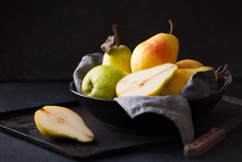 Delicious Williams Pears In A ...