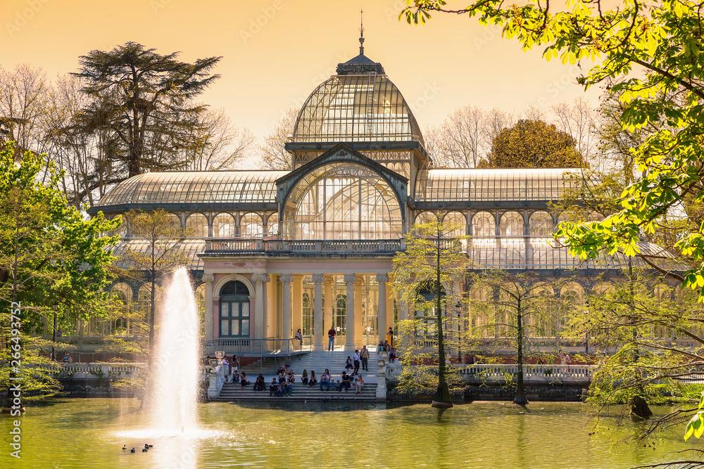 Fototapety, obrazy: crystal palece of El Retiro park,Madrid