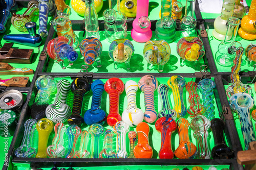 Pinturas sobre lienzo  Various types of glass smoking pipes for marijuana for sale.