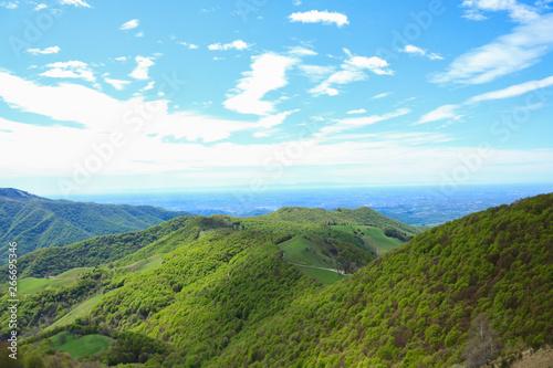 Vista mozzafiato dalla vetta del Monte Generoso, escursioni e viaggi in Svizzera #266695346