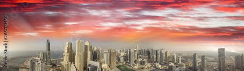 Fotomural Panoramic sunset aerial view of Dubai Marina, United Arab Emirates