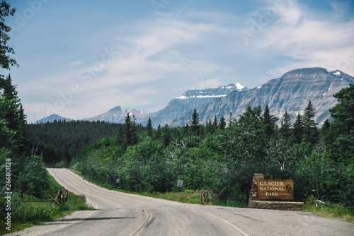 Valokuva  Glacier National Park in Montana During Summer