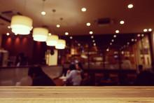 おしゃれなカフェの風景
