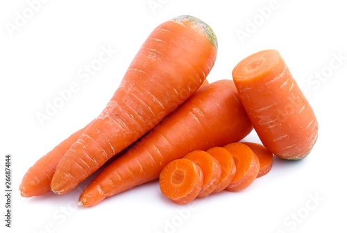 Photo  fresh carrots isolated on white background
