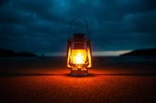 Vintage Portable Oil Lantern O...