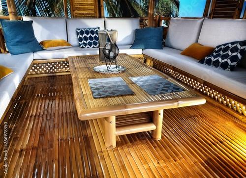 Un abri de jardin exotique confectionné avec du bambou - Buy ...