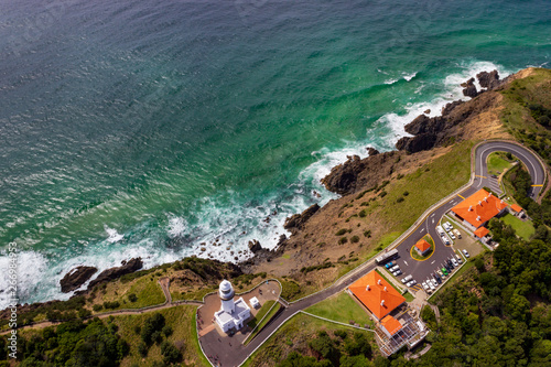 Fotografia aerial view of Wategoes Beach at Byron Bay with lighthouse