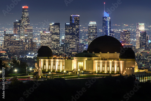 Fotografia, Obraz Griffith Observatory and Downtown Los Angeles skyline at night