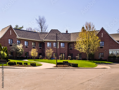 Foto  Retirement and assisted living facility