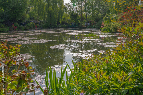 Canvas Print Giverny, France - 05 07 2019: The gardens of Claude Monet in Giverny