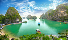 Beautiful Landscape Halong Bay View From Adove The Bo Hon Island. Halong Bay Is The UNESCO World Heritage Site, It Is A Beautiful Natural Wonder In Northern Vietnam