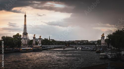 Printed kitchen splashbacks Eiffel Tower The Seine River and the Eiffel Tower at sunset in Paris